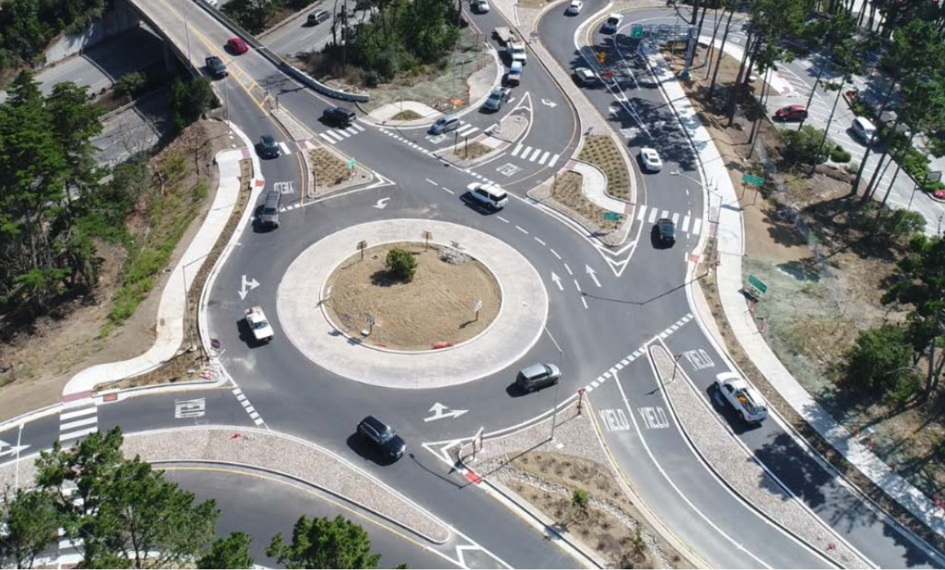 Viewed from above, a multi-lane round-about has multiple entrances and exits.